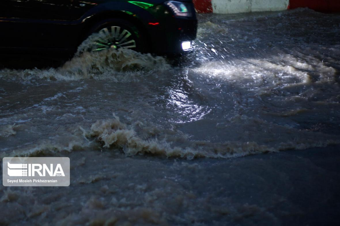 خبرنگاران بارش های بهاری شدید اصفهان را فرا می گیرد