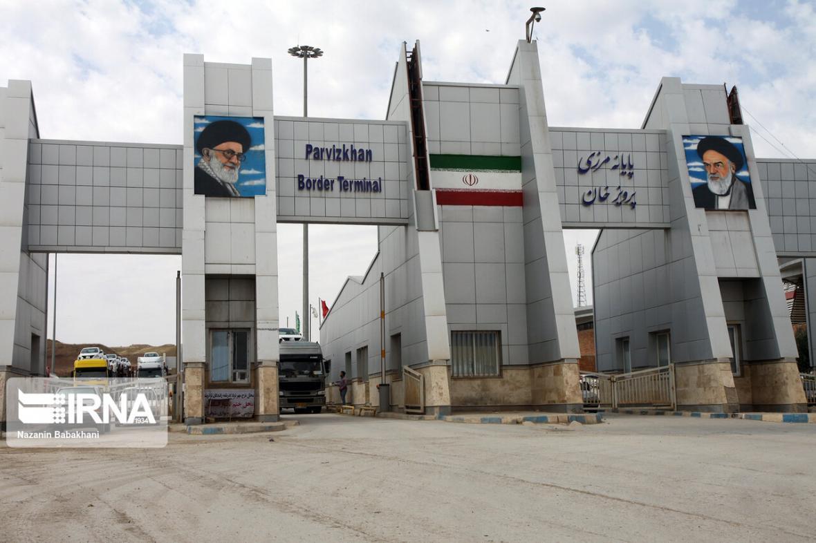 خبرنگاران اعتصاب رانندگان عراقی باعث توقف صادرات در مرز پرویزخان شد