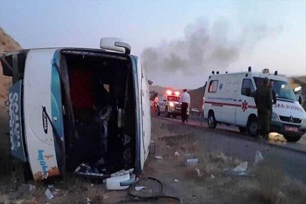 واژگونی خودروی حامل کارمندان سفارت پاکستان در محور بم - ریگان